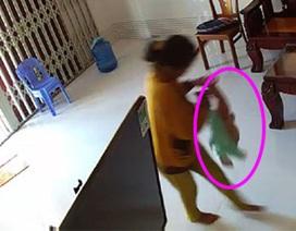Hành vi ngược đãi trẻ 8 tháng của người giúp việc có thể xử lý hình sự