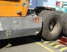 Bảo vệ bị xe container cán chết trong khuôn viên công ty