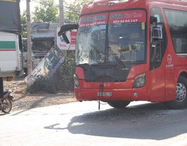 3 ô tô tông liên hoàn, gần 20 hành khách hú vía