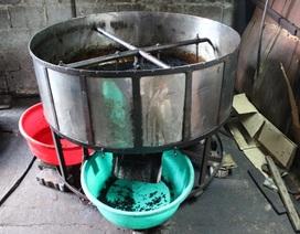 Phát hiện cơ sở sản xuất cà phê trộn đậu nành và hóa chất