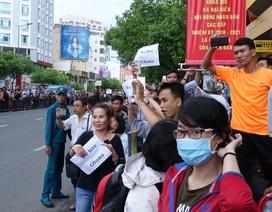 Hàng vạn người chờ đón Tổng thống Obama tại Sài Gòn