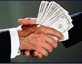 Bắt một cán bộ thuế nhận hối lộ 200 triệu đồng