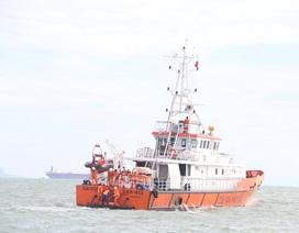 Tàu hàng gặp nạn trên biển, Thuyền trưởng và một thuyền viên mất tích