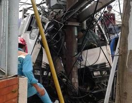 Xe tải tông trạm biến áp gây mất điện trên diện rộng