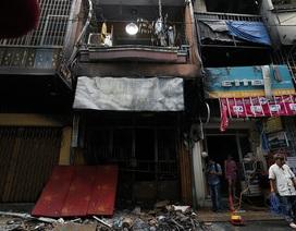 Vụ cháy 6 người chết: Nhân chứng kể giây phút 4 người nhảy lầu thoát thân