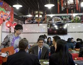 Cư dân mạng Trung Quốc khen Bộ trưởng tài chính Mỹ ăn trưa tiết kiệm
