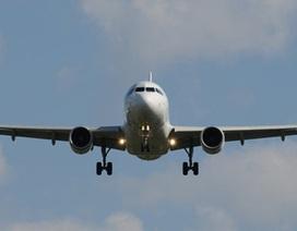 Máy bay chở Thủ tướng Czech bị nứt kính giữa trời