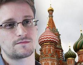 """Nga-Mỹ chơi bài """"câu giờ"""" trong vụ Snowden"""