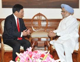 Bộ trưởng Ngoại giao Phạm Bình Minh gặp Thủ tướng Ấn Độ