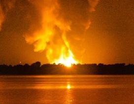 Mỹ: Nổ lớn liên tiếp thổi bay mái nhà máy khí đốt