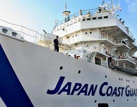 Tàu hàng Nhật Bản bị lật trên biển, 6 người mất tích