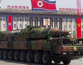Trung Quốc cấm xuất hàng liên quan tới vũ khí sang Triều Tiên