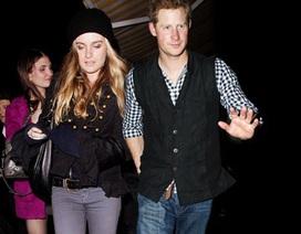 """Hoàng tử Anh Harry """"sắp cưới bạn gái người mẫu"""""""