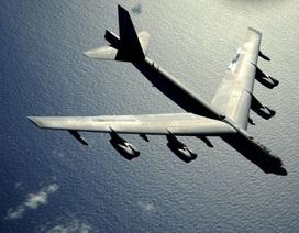 """Trung Quốc giám sát """"pháo đài bay"""" B-52 của Mỹ trên Hoa Đông"""