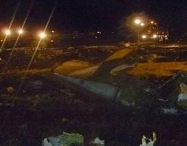 Máy bay Boeing 737 vỡ vụn tại hiện trường vụ tai nạn