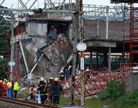 Sập công trường xây dựng ở Nam Phi, 50 người có thể bị chôn vùi
