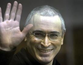 Trùm dầu mỏ Nga Khodorkovsky được ra tù