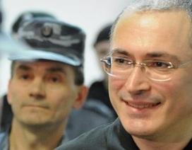 Trùm dầu mỏ Nga Khodorkovsky bay sang Đức sau khi được ân xá