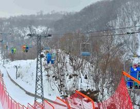 """Triều Tiên """"khoe"""" khu trượt tuyết xa xỉ với giới chức nước ngoài"""