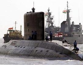 Tham mưu trưởng hải quân Ấn Độ từ chức sau tai nạn tàu ngầm
