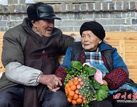 Cụ ông 103 tuổi tặng vợ bó hoa rau củ