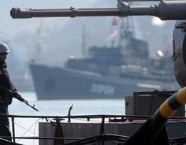 Nổ súng tại căn cứ quân sự Ukraine ở Crimea, 1 người chết