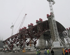 """Lá chắn """"quả bom nổ chậm Chernobyl"""" đang bị đe dọa"""