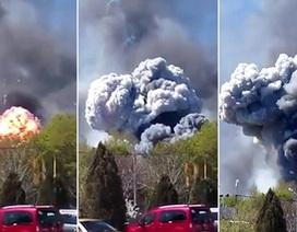 Trực thăng quân sự Ukraine bị trúng lựu đạn, phát nổ như bom