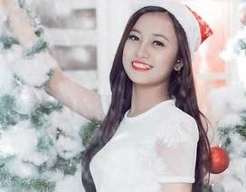 """""""Ong vàng"""" Thúy Quỳnh tinh khôi đón Giáng sinh"""