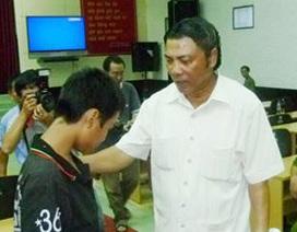 Ông Nguyễn Bá Thanh với học sinh, sinh viên chậm tiến