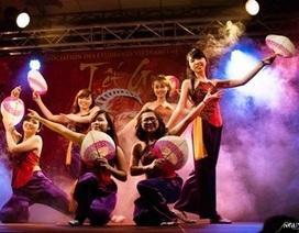 """Đêm hội Tết """"giao hòa thời gian"""" của du học sinh Việt tại Grenoble"""