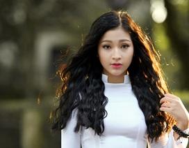 Nữ sinh Hà thành duyên dáng trong tà áo dài tinh khôi