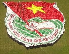 5.500 thanh niên xếp logo huy hiệu Đoàn, lập kỷ lục Việt Nam