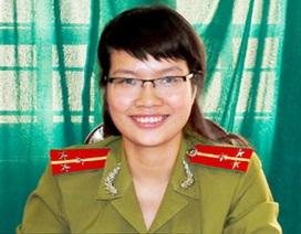 Nữ thủ lĩnh Đoàn nhận bằng tiến sĩ ở tuổi 30