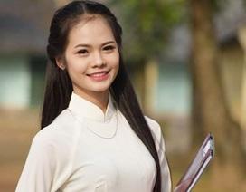 Nữ sinh trường Y duyên dáng với mái tóc dài