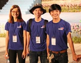 Festival nghề truyền thống Huế: Ấn tượng những tình nguyện viên thầm lặng