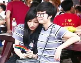 Cộng đồng LGBT tưng bừng trong ngày hội của riêng mình