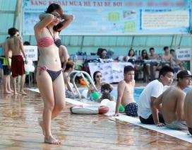 Nóng ngưỡng 40 độ, bạn trẻ Hà Nội nghĩ vạn cách giải nhiệt
