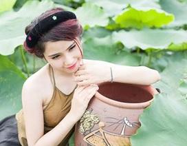 Nữ thủ khoa xinh đẹp ĐH Văn hóa e ấp bên sen đầu mùa