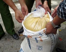 Hà Nội: Kịp thời ngăn chặn hơn 5 tấn mỡ bẩn bốc mùi