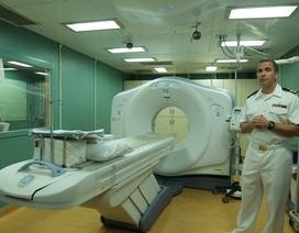 Thăm tàu bệnh viện khổng lồ của Hải quân Hoa Kỳ vừa đến Đà Nẵng