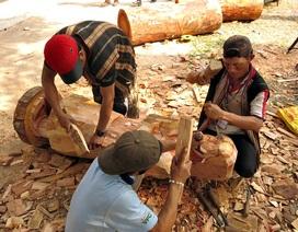 Nghệ nhân Tây Nguyên thi tài chế tác tượng gỗ dân gian