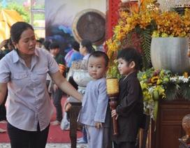 Hàng ngàn người tìm về chiêm bái Phật Ngọc tại chùa Nam Hải