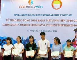 Đà Nẵng: Trao 47 suất học bổng tiếp sức tân sinh viên