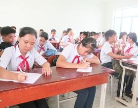 Giảng dạy tiếng Anh trong trường học: Đừng quá lệ thuộc giáo trình