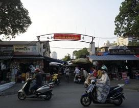 """Những tấm biển chợ """"tàng hình"""" ở Hà Nội"""