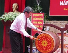 Ông Đinh Thế Huynh dự lễ khai giảng tại trường THPT Xuân Trường