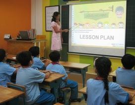 Trả lương giáo viên bản ngữ bằng kinh phí xã hội hóa