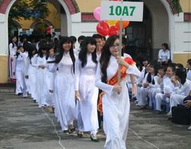 TPHCM: Khuyến khích nữ sinh mặc áo dài