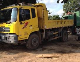 """Vụ xe chở cát """"băm nát"""" quốc lộ, đường Hồ Chí Minh: Cắt thùng, hàng loạt DN ký cam kết không chở cát quá tải"""